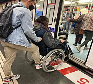 Per Barcelona en cadira de rodes