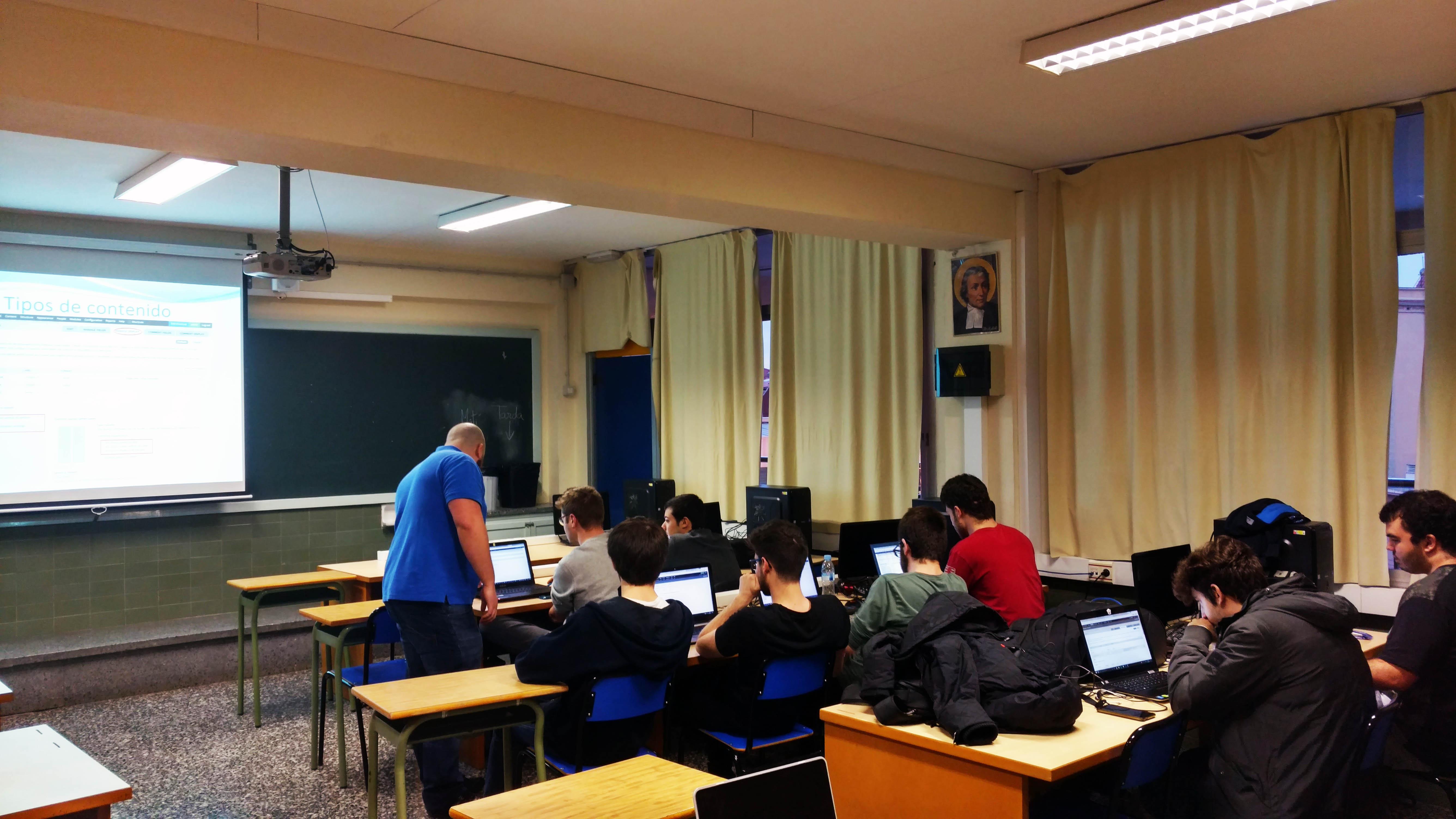 Xerrada i workshop sobre Drupal amb un dels experts de la comunitat Drupaleros