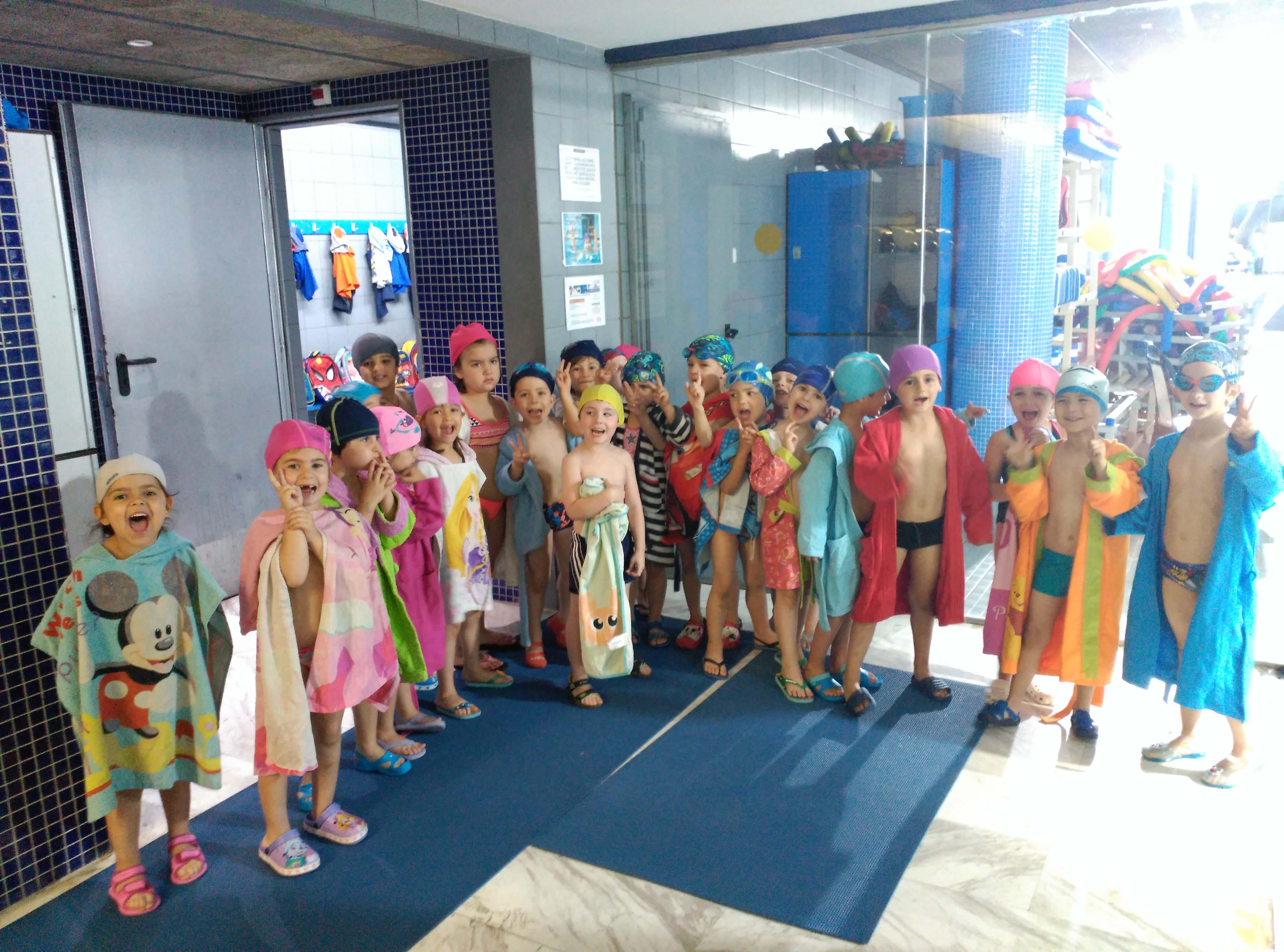 Últim dia de piscina pels nens i nenes de la classe dels Trens de P4