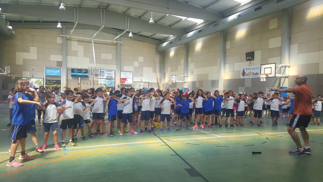 Els alumnes de 3r i 4t de primària marxen de colònies a Mas Gorgoll