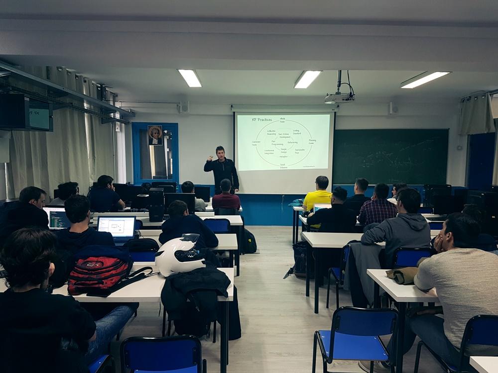 Charla de EMAGISTER CFGS Informática